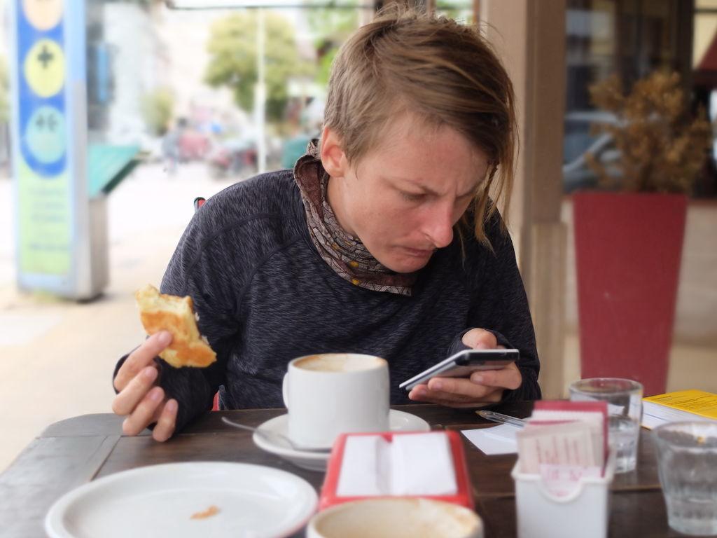 Croissants und Kaffee